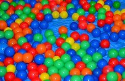 färgrika bollar Royaltyfri Bild