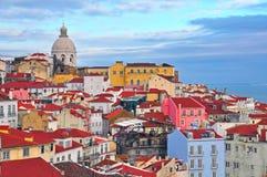 Färgrika hus av Lissabon Royaltyfri Bild