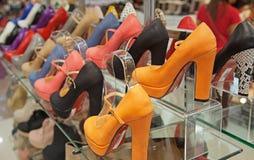 Färgrika läderskor Fotografering för Bildbyråer