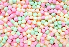 Färgrika mjuka lilla marshmallows Royaltyfria Bilder