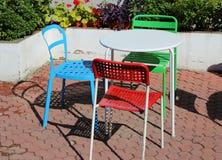 Färgrika stolar Arkivbilder
