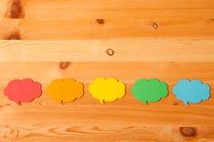färgrikt pappers- anförande bubblar Arkivfoto