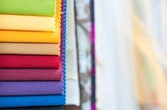 Färgrikt tyg tar prov bakgrund Royaltyfria Bilder