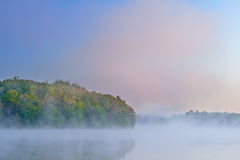 Frühling Dawn Long Lake Lizenzfreie Stockbilder