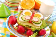 Frühlingsfrühstück für Kind Lizenzfreie Stockfotos