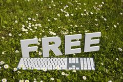 FRI text och keyborad i trädgård Fotografering för Bildbyråer