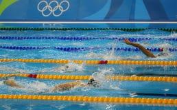 Fria stilsimmare konkurrerar på fristilen för kvinna` s 800m av Rio de Janeiro 2016 OS Royaltyfria Bilder