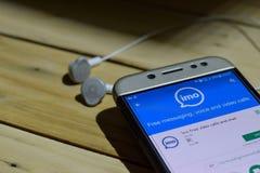 fria videopp appeller för imo och pratstundbärare-applikation på den Smartphone skärmen Arkivbild