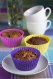 Fria wholegrain muffiner för blåbär- och banansocker Arkivfoton