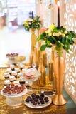 Friandise avec des sucreries de truffe Images stock