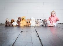 Friare med hans flotta leksaker fotografering för bildbyråer