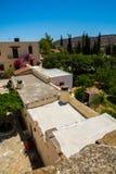 Friary монастыря в долине Messara на острове Крита в Греции Messara - самая большая равнина в Крите стоковые фото
