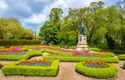 Сады Friary с статуей 3-его Маркиза Bute Стоковая Фотография