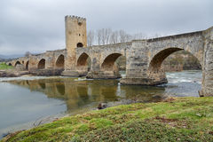 Frias中世纪桥梁在布尔戈斯 免版税图库摄影