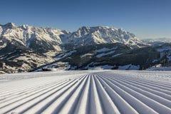 Férias perfeitas do esqui em inclinações perfeitas Imagens de Stock Royalty Free