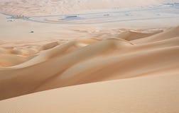 Friccione o al Khali Desert no quarto vazio, em Abu Dhabi, UAE fotos de stock royalty free