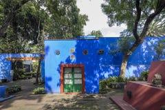Frida Kahlo Museum Blue House und courtyard stock photography
