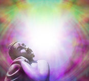 Fridsam Buddha som värma sig i ljus - ram Royaltyfri Bild