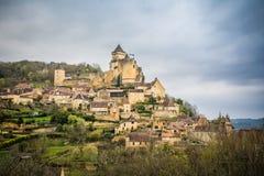 Fridsam castelnaudby på Frankrike Royaltyfria Bilder
