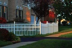 fridsam grannskap arkivfoton