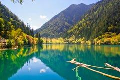 Fridsam lake Arkivfoto