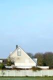 Fridsam morgon i den tranditionalNehterlands staden-Uithoorn. royaltyfri fotografi