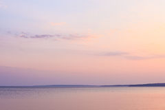 Fridsam morgon på sjön Royaltyfri Fotografi