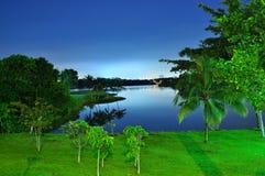 Fridsam natt på lägre Seletar behållare Arkivfoto