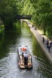 Fridsam navigering i regents kanal, London Royaltyfri Bild