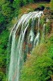 Fridsamma vattenfall Royaltyfria Foton