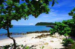 Fridsamt hörn på stranden royaltyfria foton
