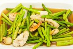 Fried asparagus with shrimp Royalty Free Stock Photos