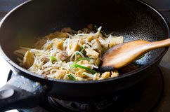 Fried bean sprouts with bean curd Royalty Free Stock Images