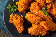 Fried Breaded Chicken Wings profundo picante Fotos de archivo