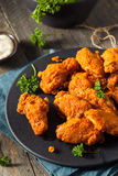 Fried Breaded Chicken Wings profundo picante Foto de archivo libre de regalías