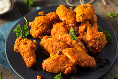 Fried Breaded Chicken Wings profundo picante Fotografía de archivo libre de regalías