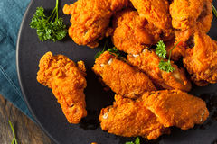 Fried Breaded Chicken Wings profundo picante Imagens de Stock
