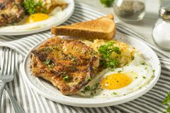 Fried Breakfast Pork Chops caseiro fotografia de stock