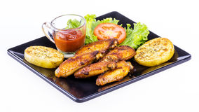 Fried checken with fresh vegetable Royalty Free Stock Images