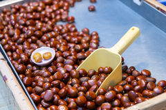 Fried chestnuts at traditional market in Taiwan Royalty Free Stock Photos