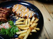 Fried Chicken Chop ( Paddestoel Sauce) royalty-vrije stock afbeelding