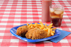 Fried chicken on a picnic table with copyspace Royalty Free Stock Photography