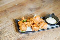 Fried Chicken Teriyaki com molho da maionese fotos de stock