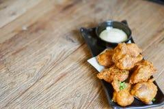 Fried Chicken Teriyaki con la salsa della maionese fotografie stock libere da diritti