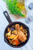Fried chicken with vegetables Royalty Free Stock Photos