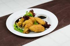Fried Chicken Wings curruscante Foto de archivo libre de regalías