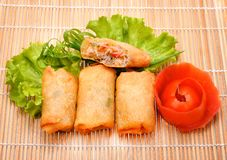 Fried Chinese Traditional Spring rolt voedsel op kaart stock foto