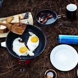 Fried Egg Bean Bacon Bread-de Koffie ontspant het Koken Concept royalty-vrije stock fotografie