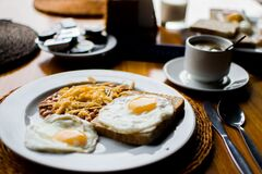 Fried Egg and Bread Pklatter Stock Photography