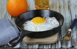 Fried egg in a frying pan Royalty Free Stock Photos